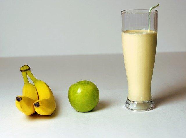 batido de manzana plátano y miel