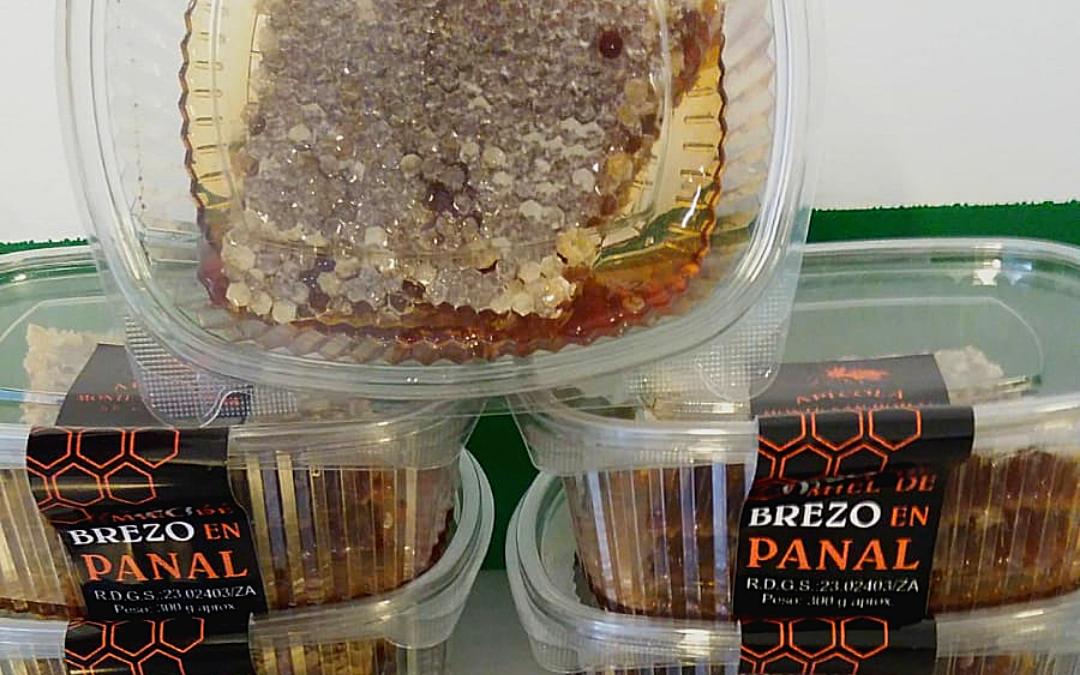 Ya está disponible la miel en panal (producto de temporada)