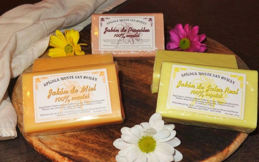 Cosmética natural: jabones artesanos de miel, jalea real y propóleo para una piel limpia e hidratada